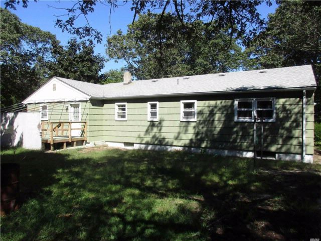 4 BR,  2.00 BTH  Ranch style home in Flanders